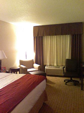 Holiday Inn Express Minot South: room