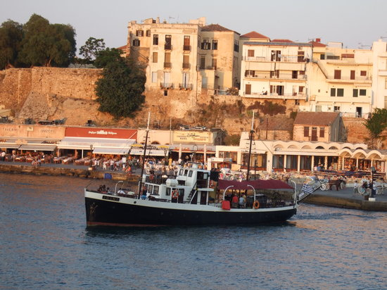 Chania Town, Yunani: Sunset cruise with MS Irini
