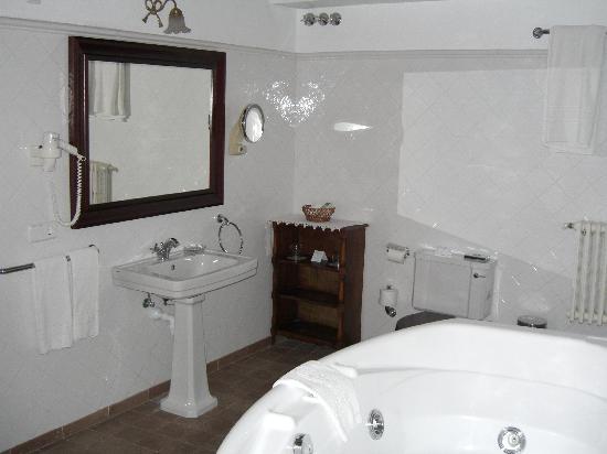 Hotel Dalt Murada: Our bathroom