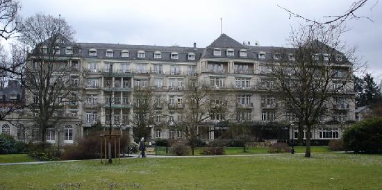 Brenners Park-Hotel & Spa: Rear view of the Brenner's Park Hotel and Spa
