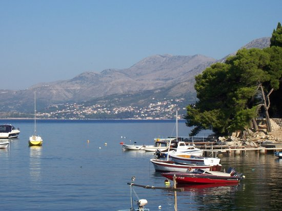 Remisens Hotel Albatros: Views from walk into Cavtat