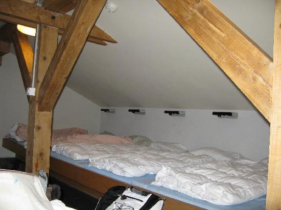 Zermatt Youth Hostel : 8 person dormer... I