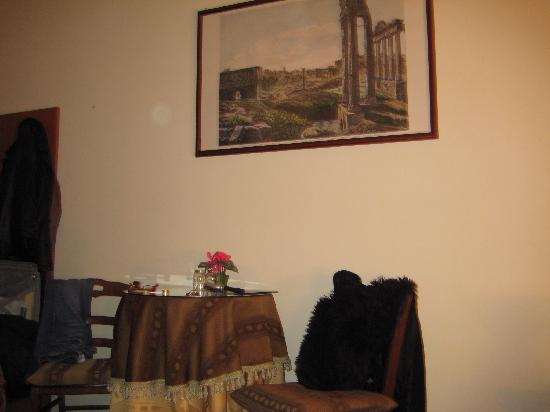 Delia Accomodation B&B: Sitting Area in the room