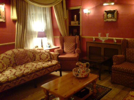 The Cafe - Porlock Weir: Back lounge