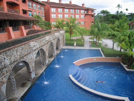 Los Suenos Marriott Ocean & Golf Resort: Lighthouse and Pool