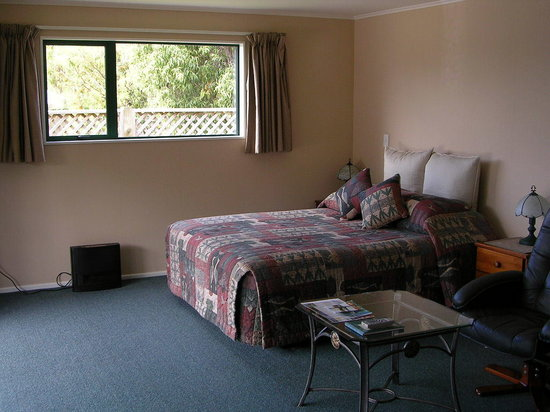 Te Waka Lodge: Bed
