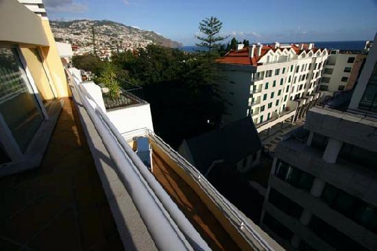Atlantida Apartments: Upstairs Balcony