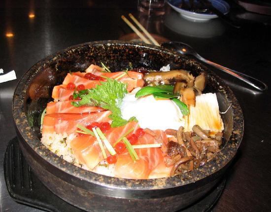 Oga's Japanese Cuisine: salmon with rice, egg, and veggies