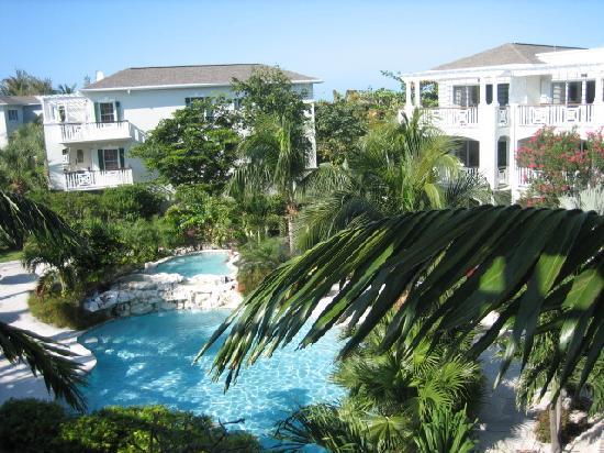 رويال وست إندياز ريزورت: The pool @ RWI from our balcony.
