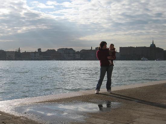 Pensione La Calcina: Canal de la Giudeca desde el hotel
