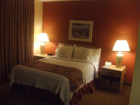Residence Inn Phoenix Mesa: Comfy bed