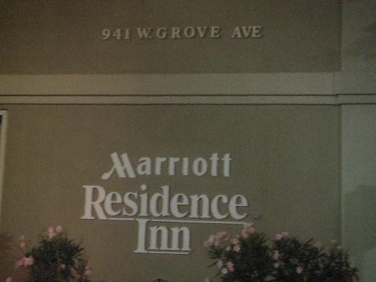 Residence Inn Phoenix Mesa: Hotel building