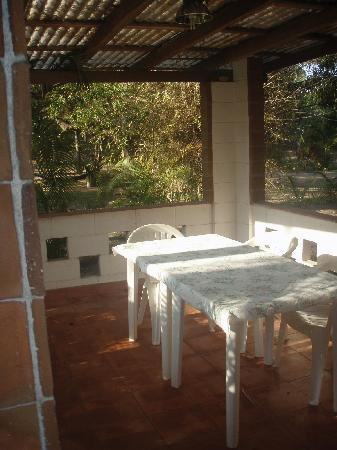 Quinta Erika: The bungalow at QE: the outdoor dining area