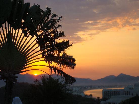 Hotel Plaza Tucanes Manzanillo: Sunrise