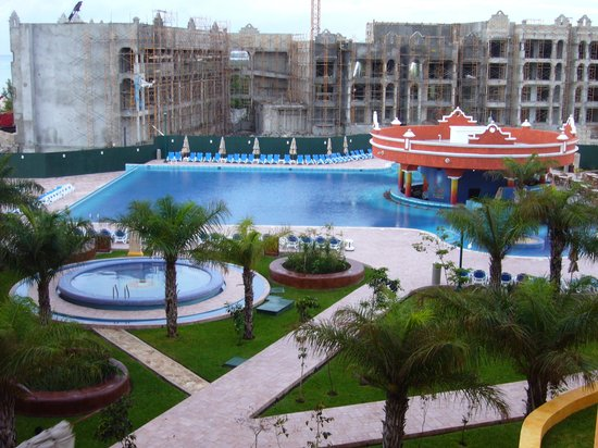 The Royal Haciendas, All Inclusive, All Suites Resort: A look at the 2007 construction