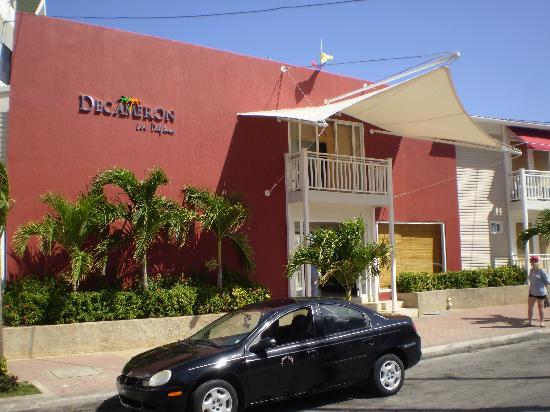 Decameron Los Delfines: Front of the hotel