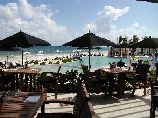 Rosewood Mayakoba: Beachside pool