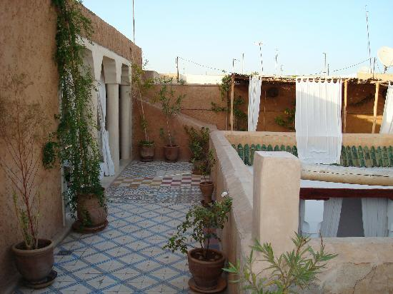 Riad Tizwa: The patio area outside our room
