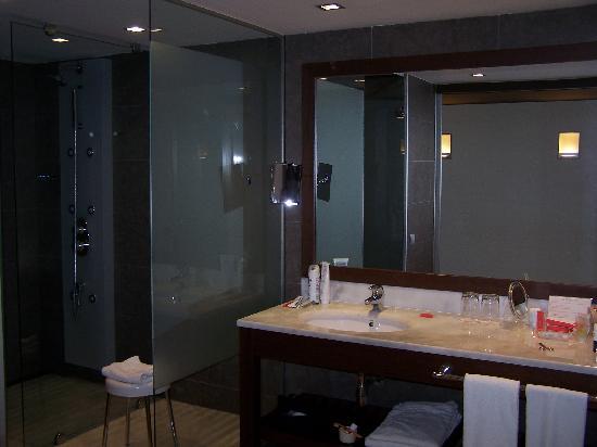 Magnolia Hotel: Salle d'eau