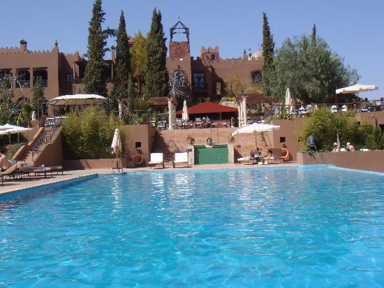 Kasbah Tamadot: Hotel and pool