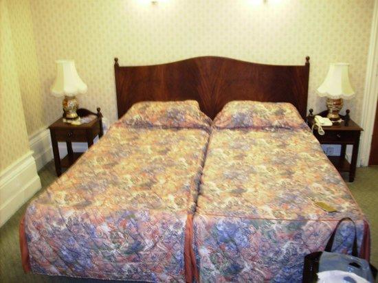 Averard Hotel: chambre quadruple dfans hôtel averard