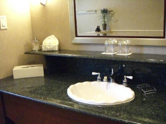 Harbour House Hotel: Bathroom detail