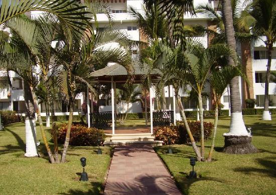 Crown Paradise Club Puerto Vallarta: Un bel environnement près de notre chambre