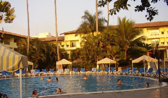 Crown Paradise Club Puerto Vallarta: Une autres piscine de l'hôtel