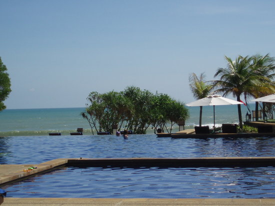 Tanjong Jara Resort: pool area