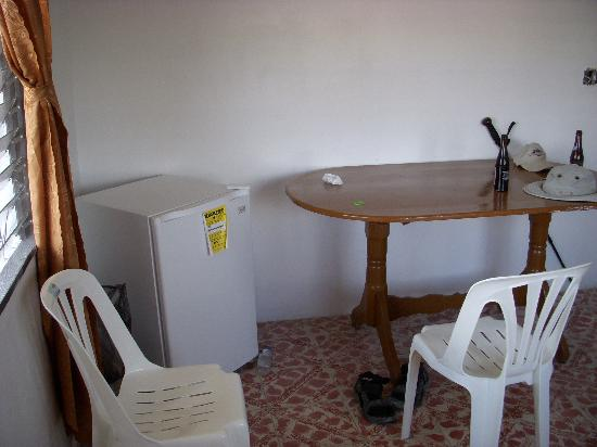 Bachelor Inn: living area