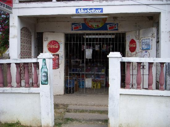 Bachelor Inn: typical neighborhood store