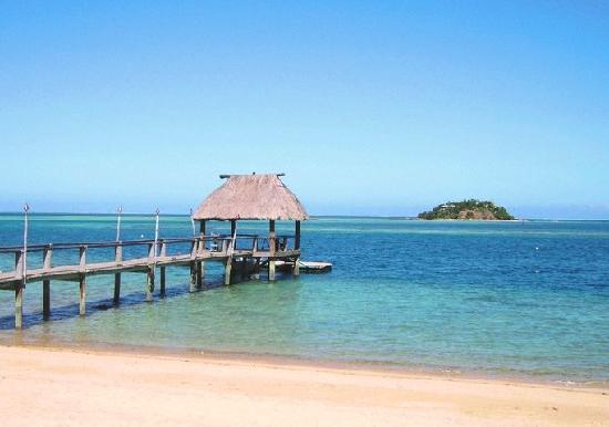 Malolo Island Resort: Malolo Island - jetty, with Wadigi Island in background