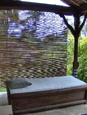 Kubu Bali Hotel: massage bed