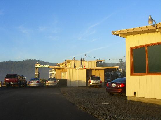 Webb's Scenic Surf Motel: Great private location.