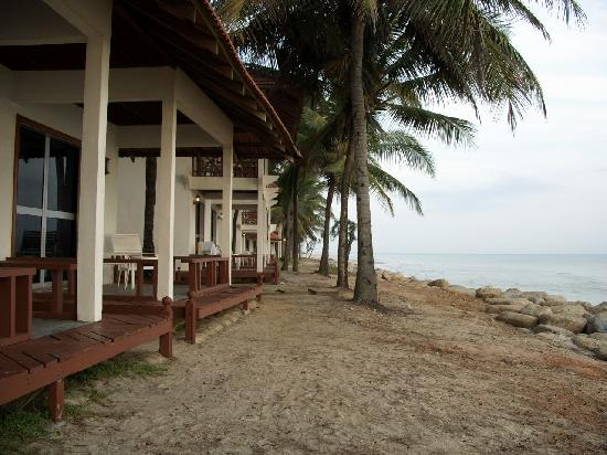 Sutra Beach Resort Terengganu: beach front rooms