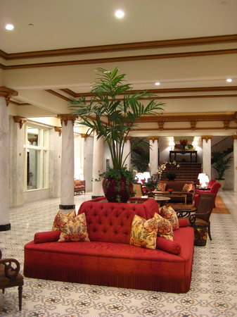The Capital Hotel: Foyer/Lobby 1
