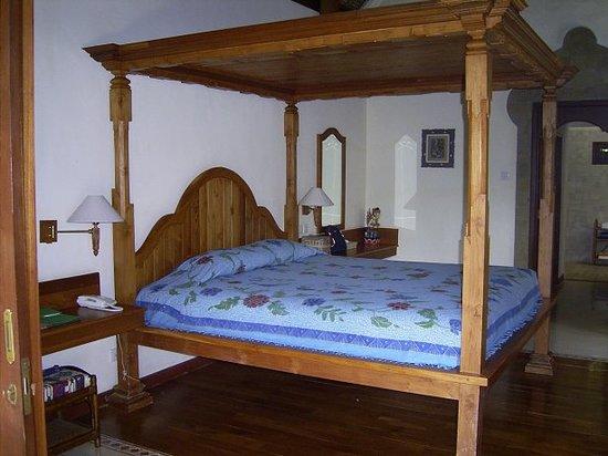 Samhita Garden: Villa Bedroom