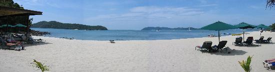 The Lanai Langkawi Beach Resort: Vue panoramique de la plage