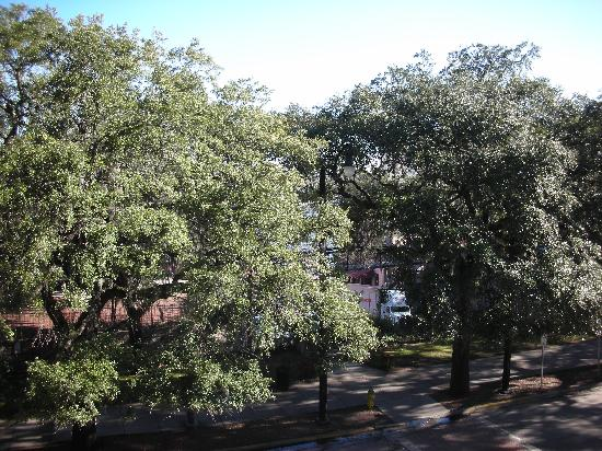 Holiday Inn Express Savannah-Historic District: View from Room Balcony looking toward the River