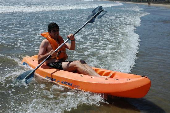 Los Angeles Locos: kayak
