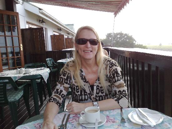 Beauchamp Place Guesthouse: My wife at breakfast