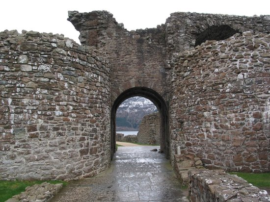 Драмнадрочит, UK: Loch Ness - Urquhart Castle - Gatehouse