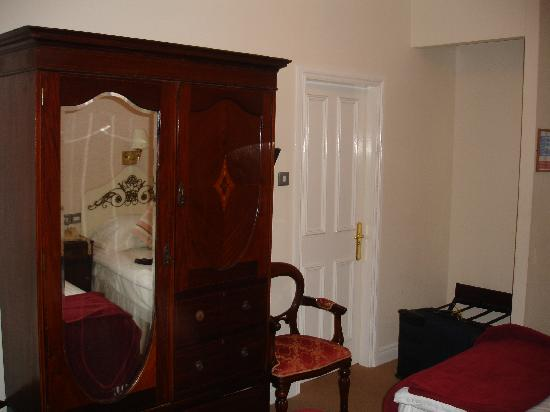 Portaferry Hotel: Hotel Room, two twin beds