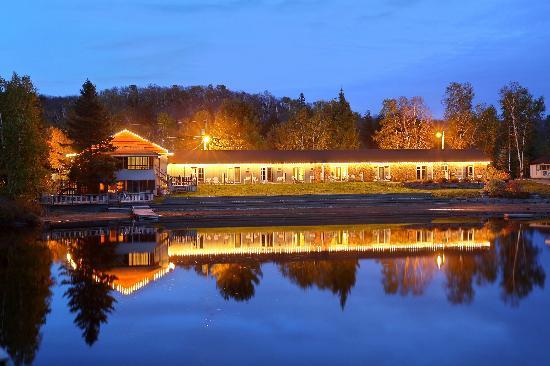Lakeside Restaurant Ontario
