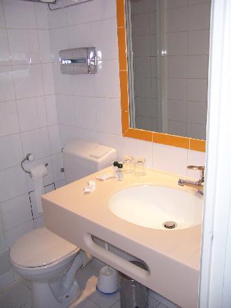 Hotel Grenelle : bathroom