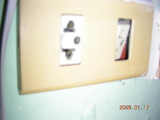 Montana Grand Phuket: prise électrique