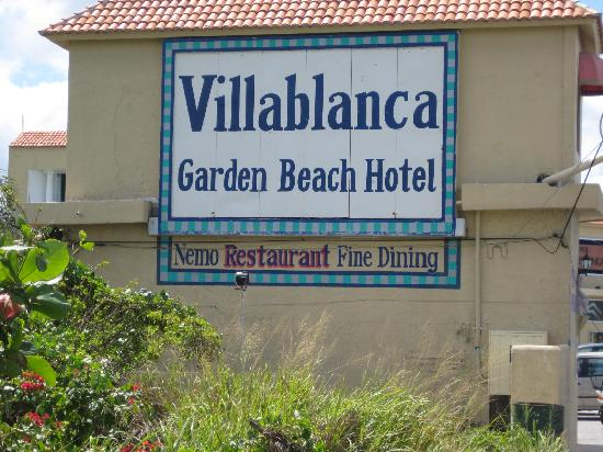 Villablanca Garden Beach Hotel: Side view