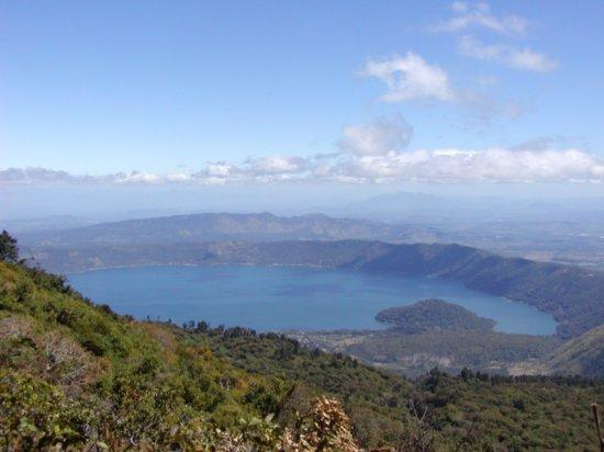 coatepeque lake 2