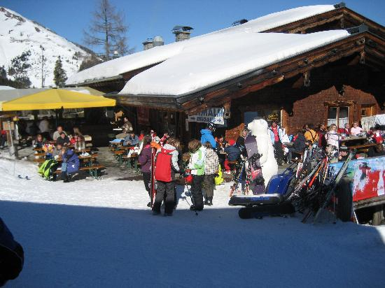 Alpina Hotel: First stop on the Gondola - A lovely place for lunch!