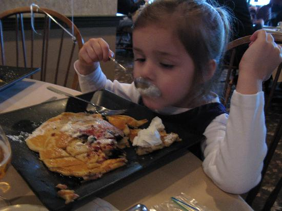 The Greenfield Restaurant & Bar: pancakes with berries